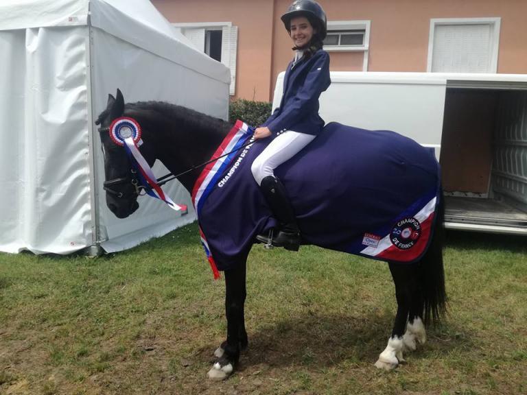 Championne de France: Ninon Vidal et Burberry des Pommiers en Poney 1 C cce